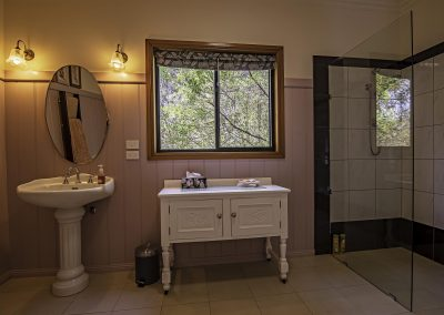 boobialla_cottage_bedroom_ensuite_2