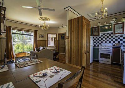 boobialla_cottage_kitchen_and_lounge