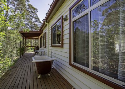 dianella_cottage_rear_deck