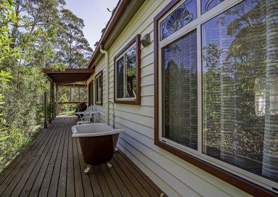 dianella_cottage_rear_deck