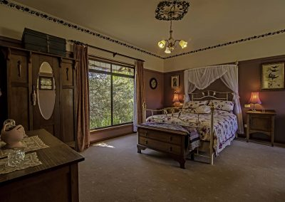 lilly_pilly_cottage_bedroom_view_3